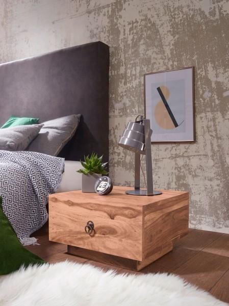 WOHNLING Design Nachttisch MUMBAI Massiv-Holz Akazie 40 cm