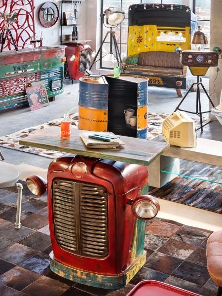 SIT Möbel Traktor-Schrank, Bar | recycelter Traktor-Kühlergrill | Gestell Metall rot | Deckplatte Al