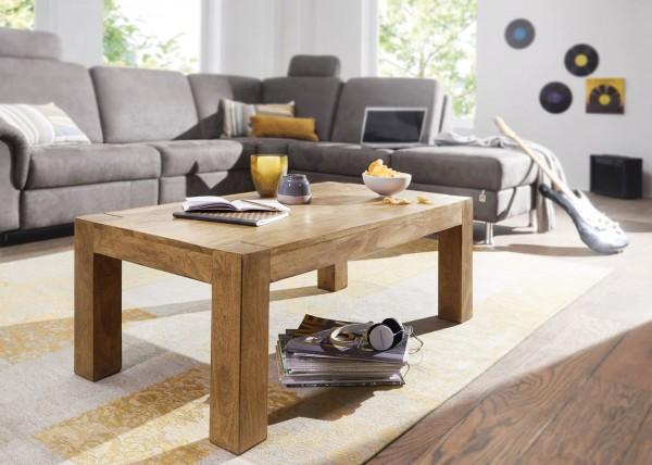 WOHNLING Couchtisch MUMBAI Massiv-Holz Akazie 110 cm breit Wohnzimmer-Tisch Design Natur-Produkt